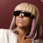 Lady Gaga va fi nasa baietelului lui Elton John?