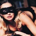 4 propuneri de scenarii si deghizari erotice