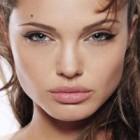 Biografie de vedeta: Angelina Jolie
