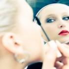 Ce produse cosmetice folosite de femei atrag privirile barbatilor?