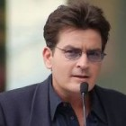 Charlie Sheen a cerut despagubiri de 100 milioane dolari