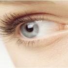 Conturul ochilor, o zona sensibila