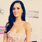 Katy Perry strange bani pentru victimele din Japonia