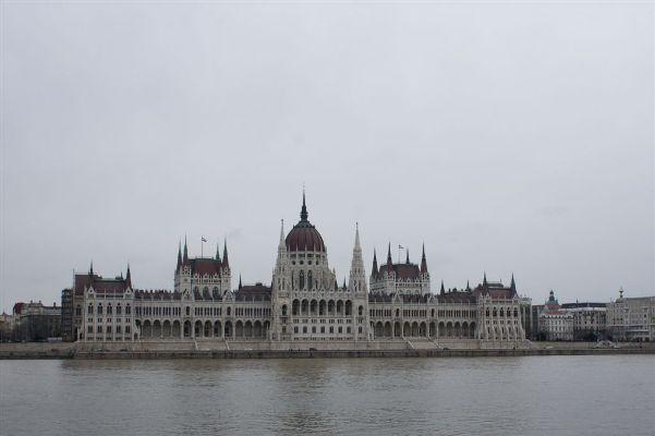 parlamentul din budapesta