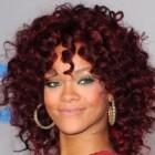 Rihanna si-ar putea anula turneul din cauza vanzarilor scazute