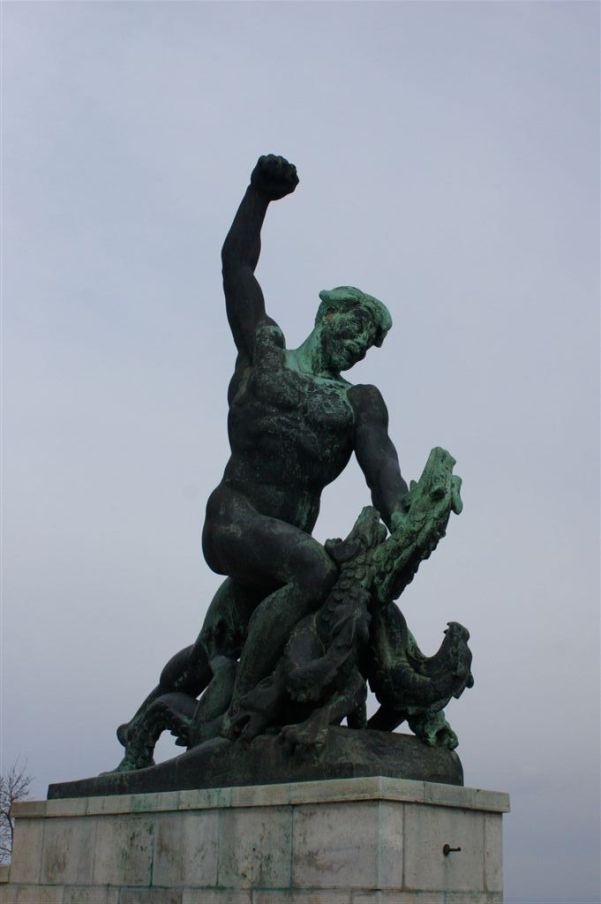 statuia din dealul gellert