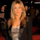 10 tinute de vedeta: Jennifer Aniston