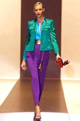 neon de la casa de moda gucci