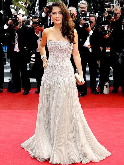 rochie eleganta salma hayek la cannes 2011