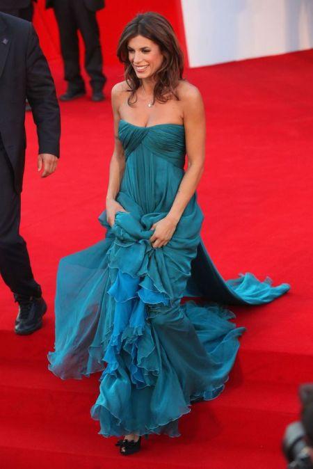 tendinte in moda rochia albastra