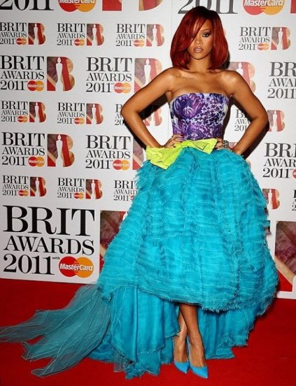 tinuta rihanna la brit awards 2011