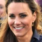 Kate Middleton poarta o tinuta de mai multe ori
