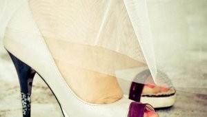 Pantofi de mireasa: albi sau colorati?