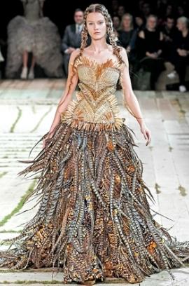 rochie din piele alexander mcqueen