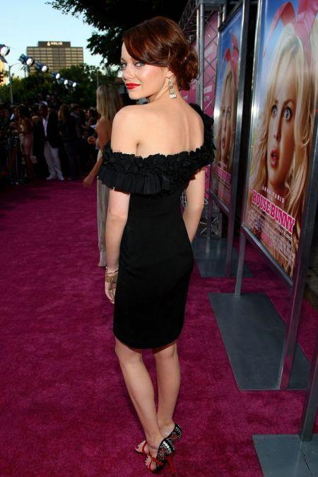 tendinte in moda rochia neagra asimetrica