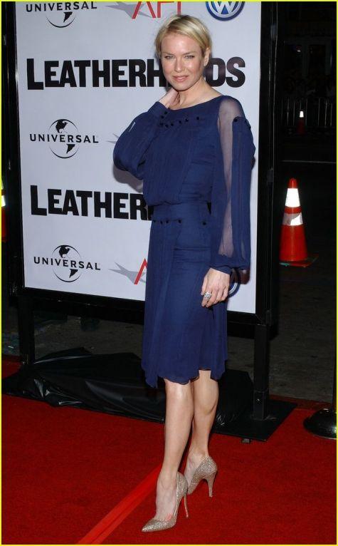 Model de rochie albastra