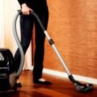 Cu Dust & Gone poti sterge praful de pe jaluzele in timp ce aspiri covorul