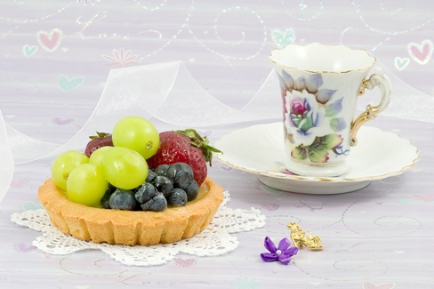 o cana cu ceai si fructe