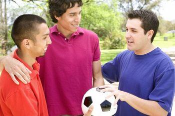 barbati pregatiti de fotbal