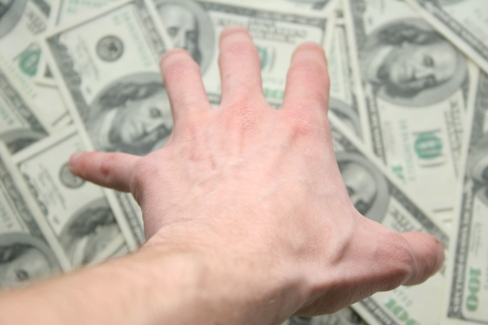 banii - obstacol in calea fericirii unui cuplu