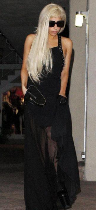 lady gaga in rochie neagra