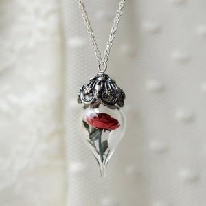 colectia de bijuterii Mai McKemy
