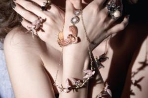 Chemarea Lunii - Colectia de bijuterii Disaya