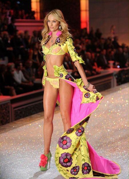 Victoria's Secret 16