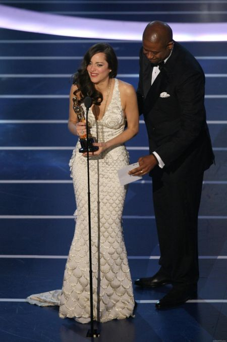 Marion Cotillard a purtat o rochie Jean-Paul Gaultier