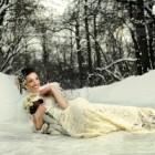 Adriana Delia Barar a spart gheata cu o rochie de mireasa