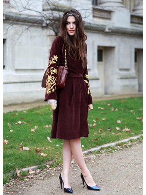 fashion blogger, rochie, geanta
