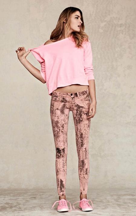 jeansi cu imprimeuri, leopard, dungi, flori, motive tribale, snake skin
