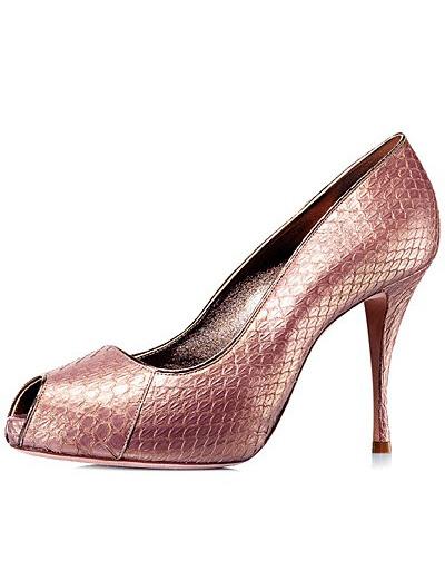 Pantofi din piele de sarpe, stralucitori, intr-o superba nuanta somon, cu toc mediu si deschisi in fata
