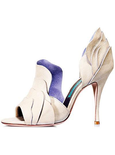 Sandale din piele nude, cu detalii din piele intoarsa purple, deschise pe lateral si la varf, cu toc mediu