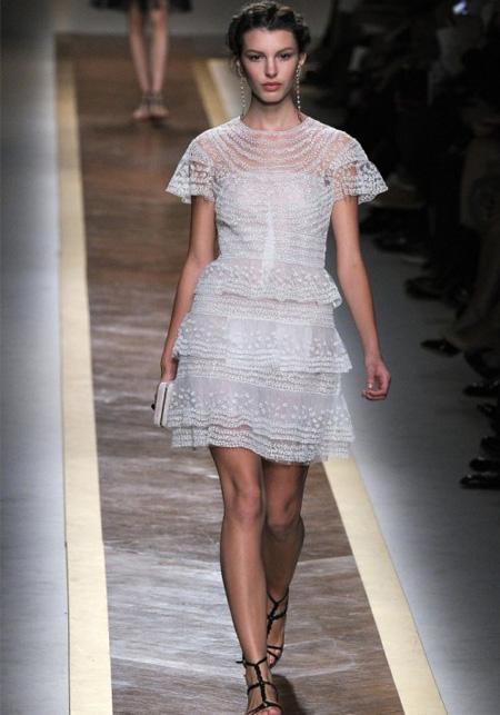 rochie alba, mini, din dantela, cu transparente sexy