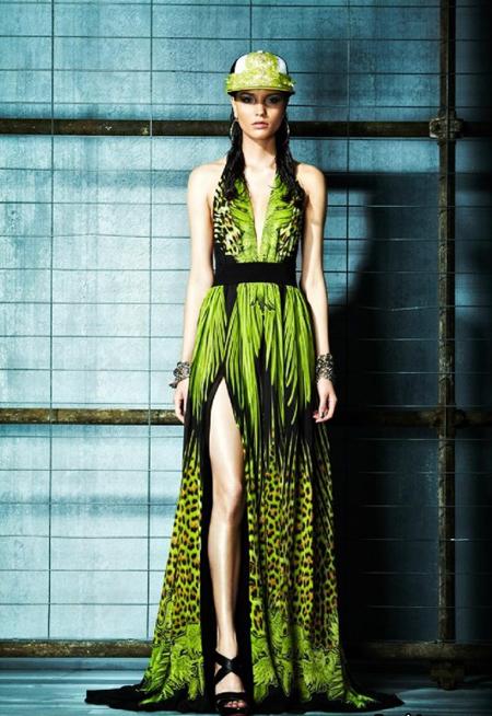 Rochie maxi, din matase, in nuante de verde si negru, cu imprimeuri vegetale si leopard