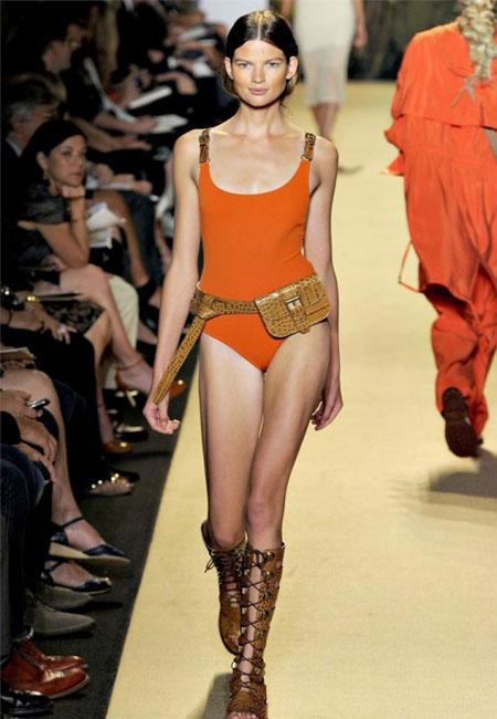 Costum de baie hot orange, dintr-o singura piesa, cu bretele din piele