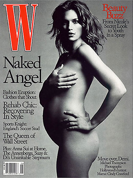 Cindy Crowford a pozat goala pe cand era insarcinata cu primul copil