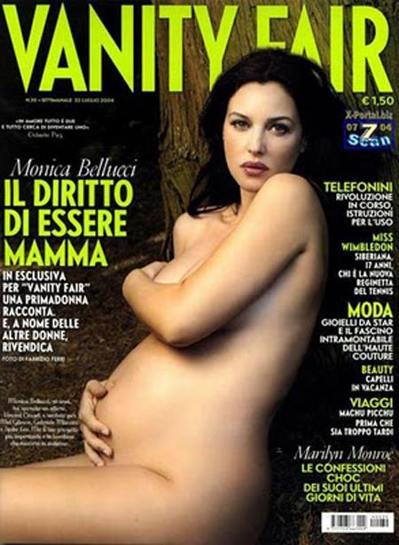 Vanity Fair au invitat-o sa pozeze goala si insarcinata in august 2004