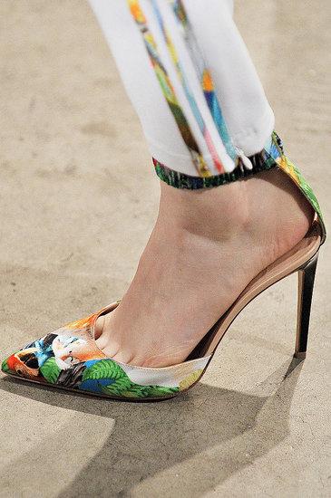 pantofi cu imprimeuri florale