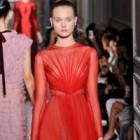 Regina balului: rochia rosie!