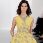 Oscar de la Renta – o colectie feminina & stylish