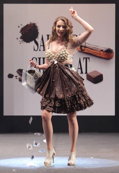 prezentare-de-moda-creatii-din-ciocolata-salon-du-chocolat-2013 (21)