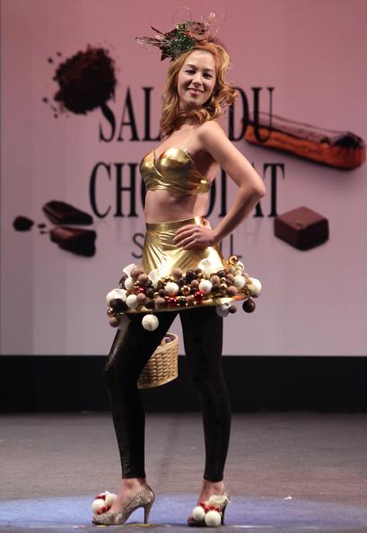 prezentare-de-moda-creatii-din-ciocolata-salon-du-chocolat-2013 (22)