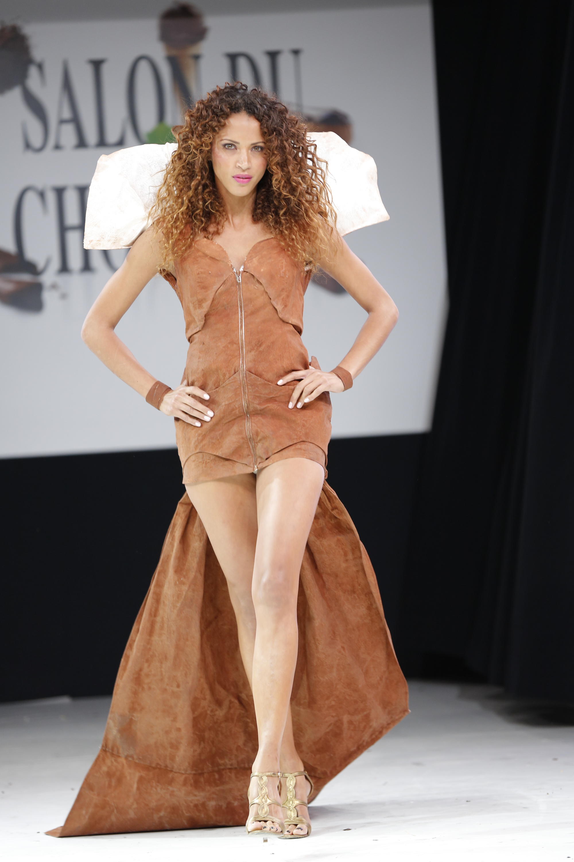 prezentare-de-moda-creatii-din-ciocolata-salon-du-chocolat-2013 (29)