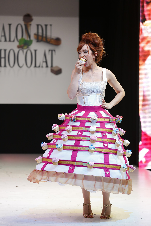 prezentare-de-moda-creatii-din-ciocolata-salon-du-chocolat-2013 (36)