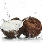 Sanatate si frumusete intr-un pahar cu apa de cocos!