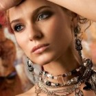 Contureaza-ti eleganta cu bijuterii