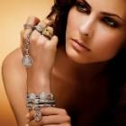 Achizitionarea bijuteriilor
