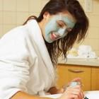 Tratament cu masti faciale naturale